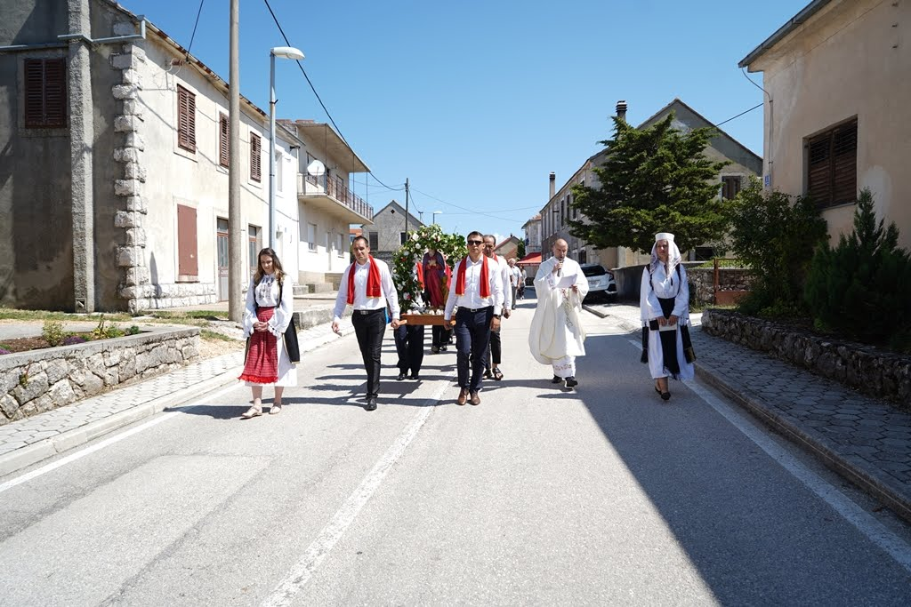 procesija 8