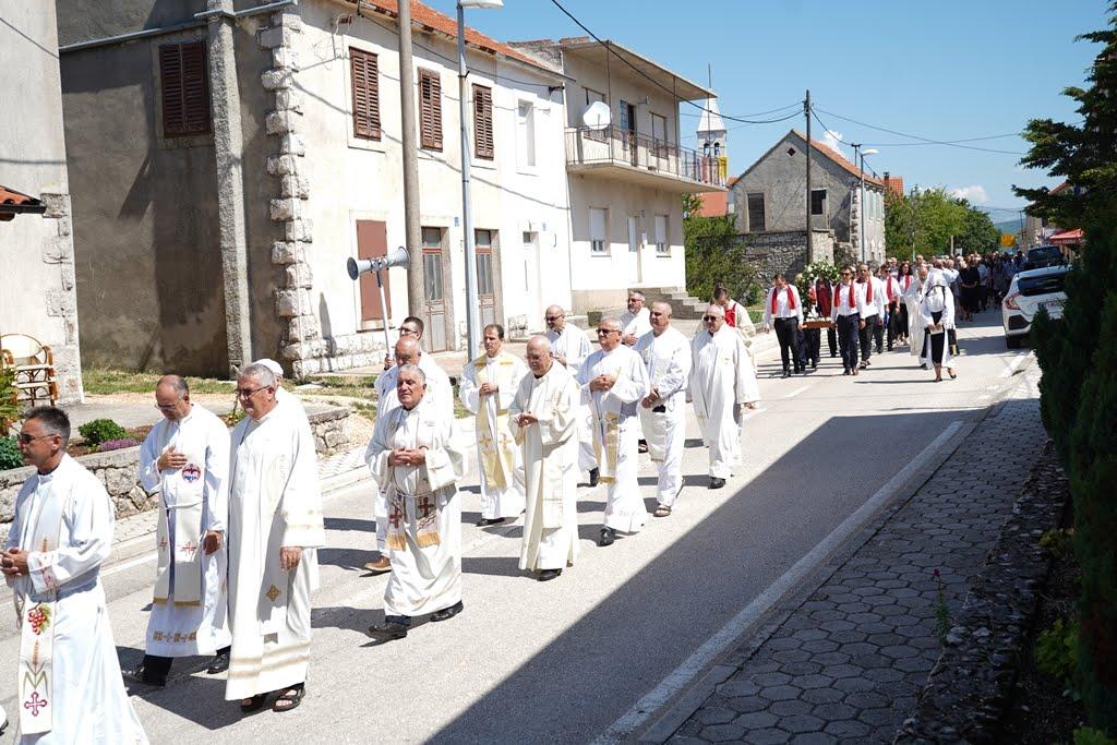 procesija 9